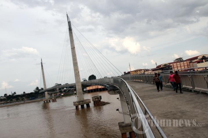 Jembatan Pedestrian Menara Gentala Arasy Jambi Foto 2 1704853 20170608