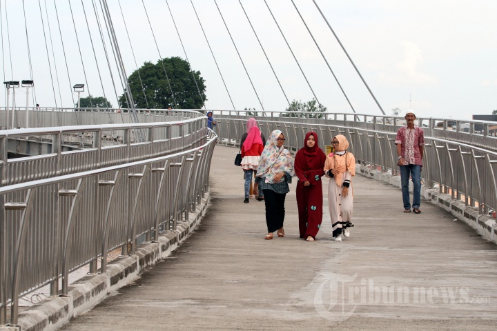 Jembatan Pedestrian Menara Gentala Arasy Jambi Foto 3 1704854 20170608