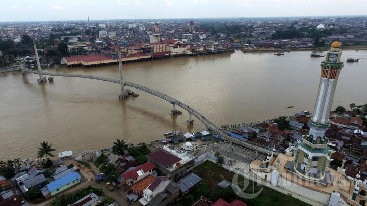 Jembatan Pedestrian Menara Gentala Arasy Jambi Foto 5 1704856 20170608