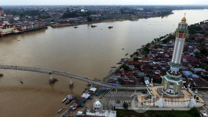 Jembatan Pedestrian Menara Gentala Arasy Jambi Foto 7 1704858 20170608