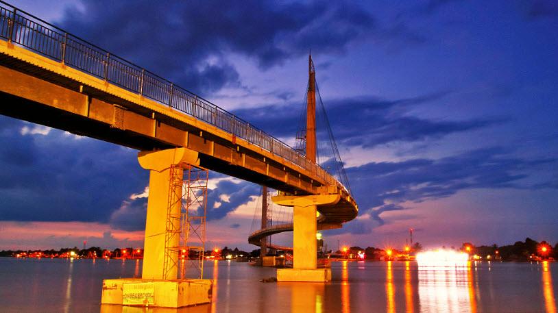 Jembatan Pedestrian Menara Gentala Arasy Sabran31 Sendiri Pun Pertama Kalinya