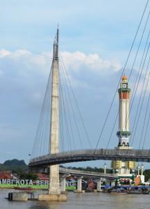 Menara Gentala Arasy Ikon Kota Jambi Tobasatu Menjadi Jembatan Pedestrian