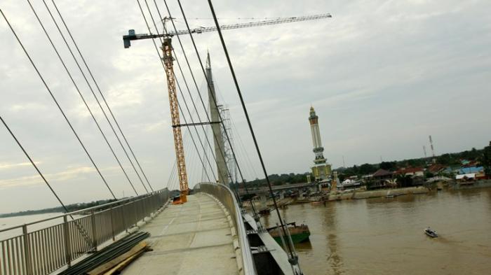 Menjajal Ikon Jambi Bernama Jembatan Pedestrian Tribun Gentala Arasy Kota