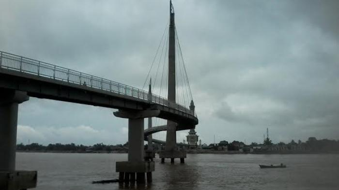 Pendemo Jembatan Gentala Ikon Korupsi Tribun Jambi Pedestrian Arasy Kota