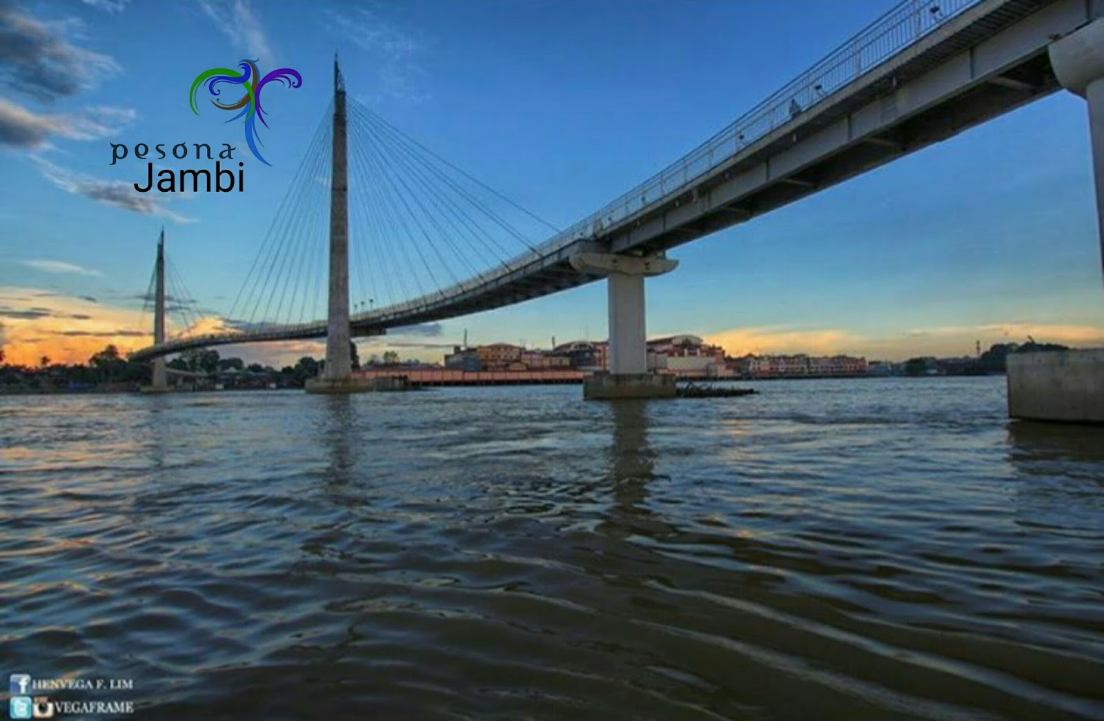 Pesona Jambi Jembatan Pedestrian Gentala Arasy Kota