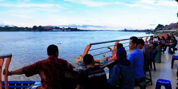 10 Tempat Wisata Jambi Wajib Dikunjungi Tanggo Rajo Kolam Renang