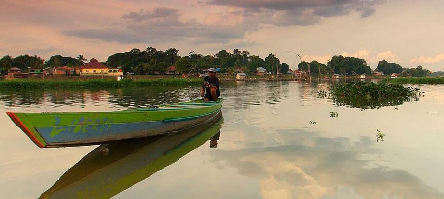 6 Tempat Wisata Jambi Menakjubkan Danau Sipin Kolam Renang Tepian