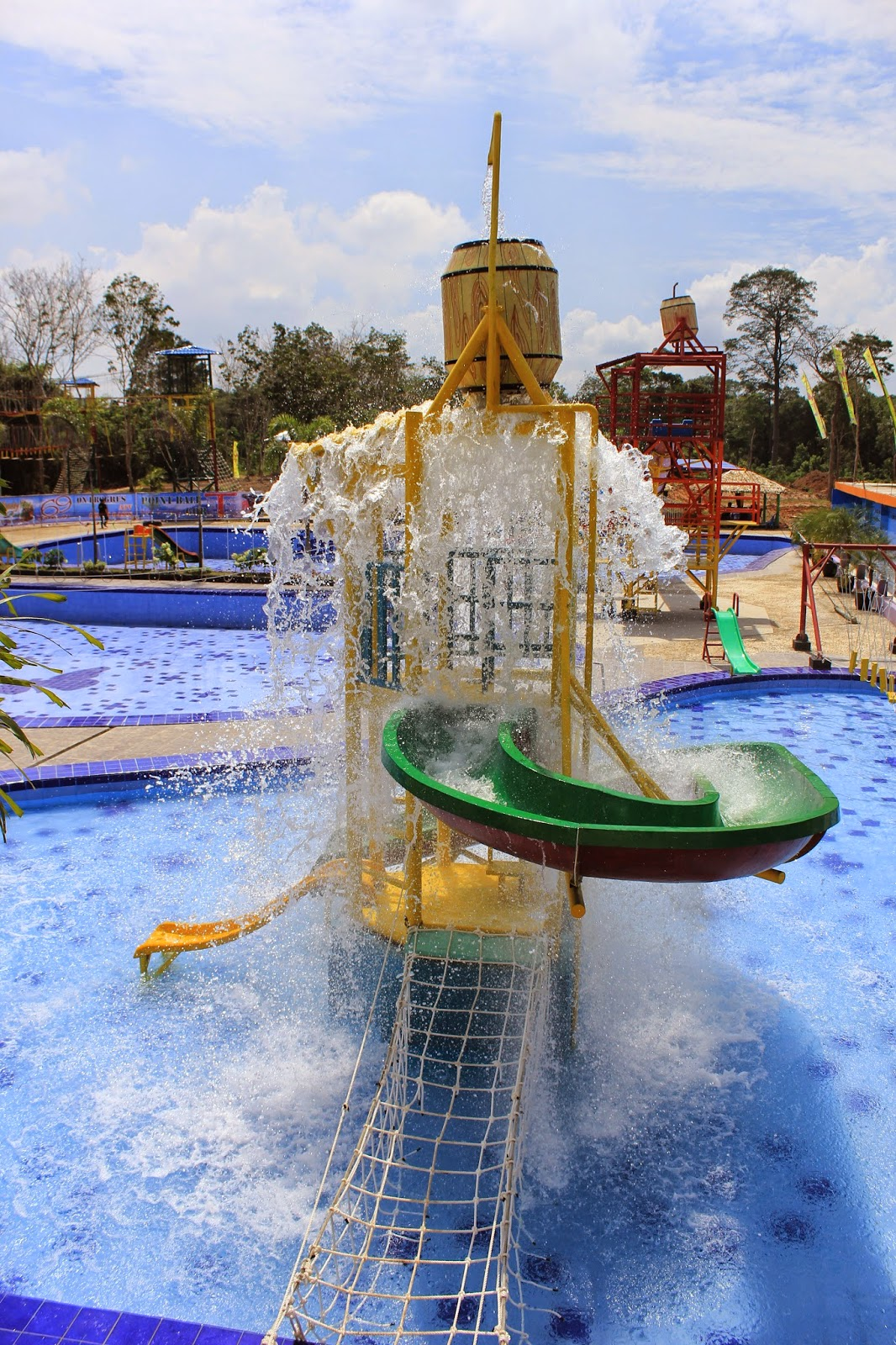 Pesona Wisata Jambi Gelam Oasis Resort Kolam Renang Tepian Rajo