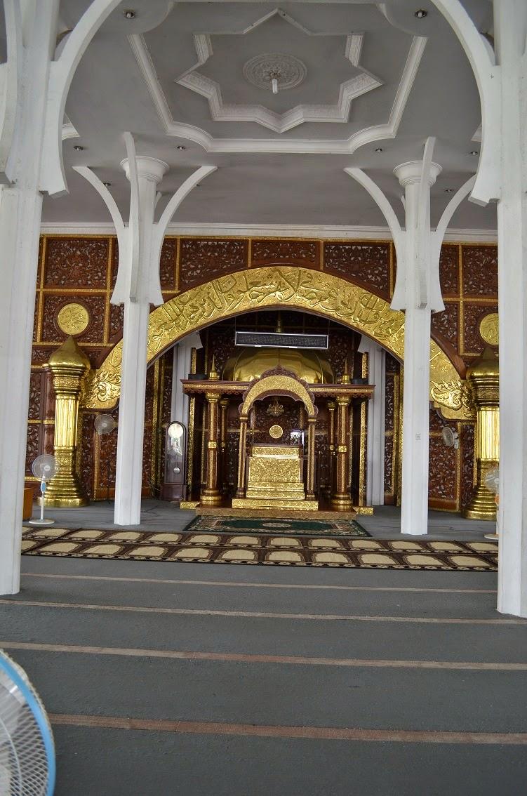 Beritaku Menelusuri Kemegahan Masjid Seribu Tiang Kebanggan Agung Al Falah