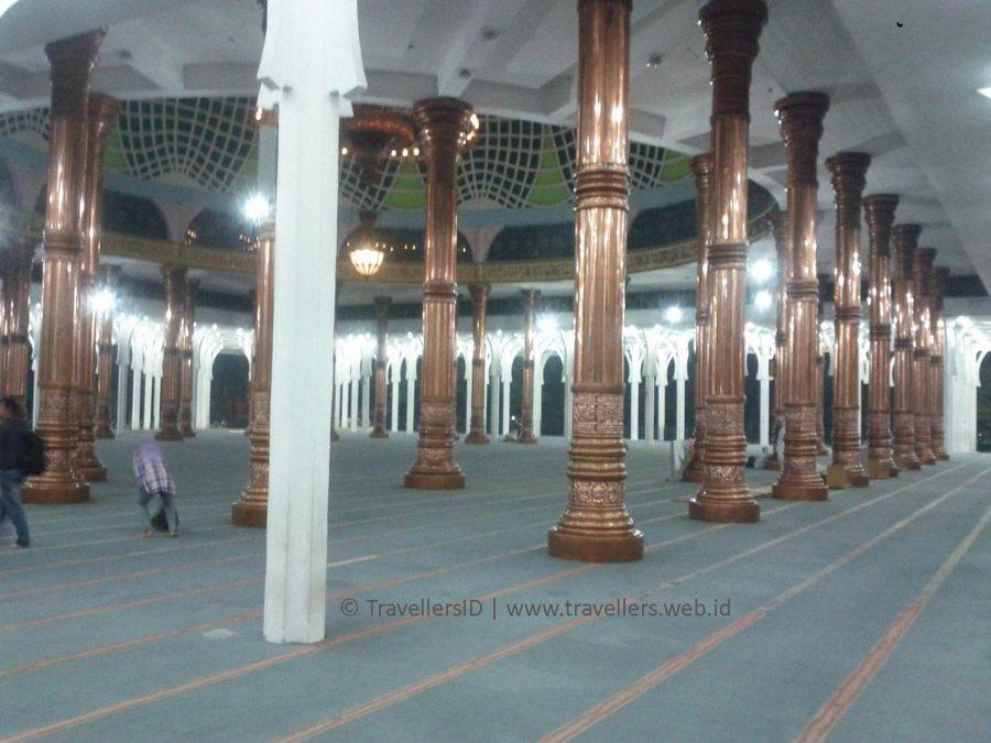 Blog Masjid Seribu Tiang Berkonsep Ramah Penuh Sejarah Bagian Agung