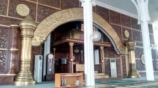 Interior Masjid Picture Agung Al Falah Mosque Jambi Tripadvisor Seribu