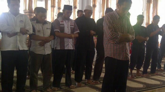 Jokowi Jadi Imam Salat Masjid Agung Al Falah Jambi Tribunnews