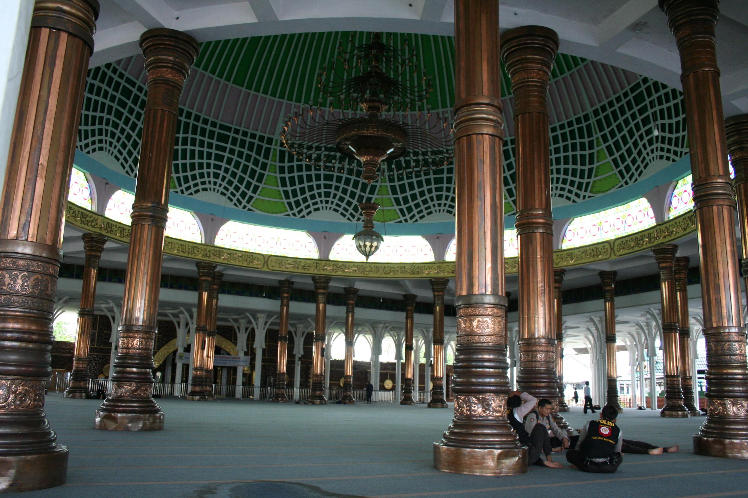 Masjid Agung Al Falah 1 000 Tiang Bintang Terbesar Jambi
