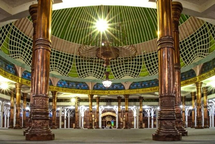 Masjid Agung Al Falah Jambi Seribu Tiang 2 Republika Online