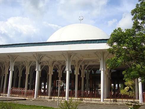 Masjid Agung Al Falah Jambi Seribu Tiang Gemma Gerakan Kota