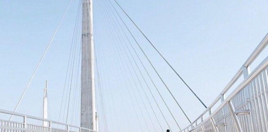Berwisata Jembatan Pedestrian Jambi Menikmati Gagahnya Menara Gentala Arasy Hingga