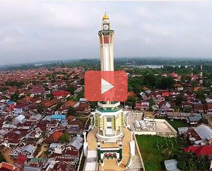 Indahnya Jembatan Pedestrian Menara Gentala Arasy Udara Video Kota Jambi