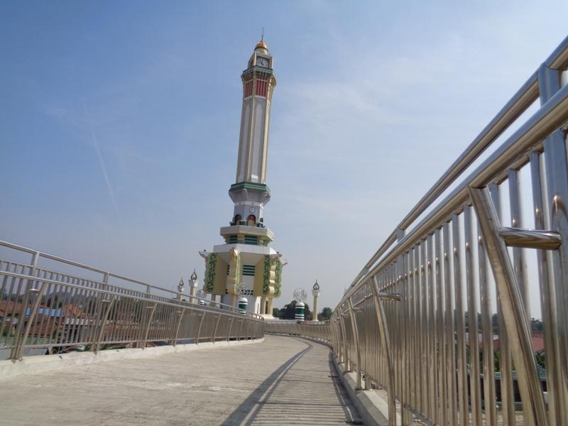 Jambi Gentala Arasy Djangki Menara Ujung Jembatan Kota