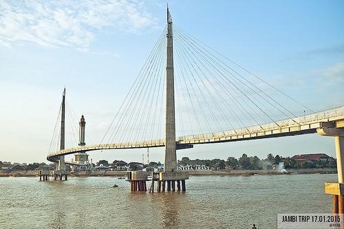 Jambi Jembatan Gentala Arasy Pitra Dunia Memotret Digital Menara Kota