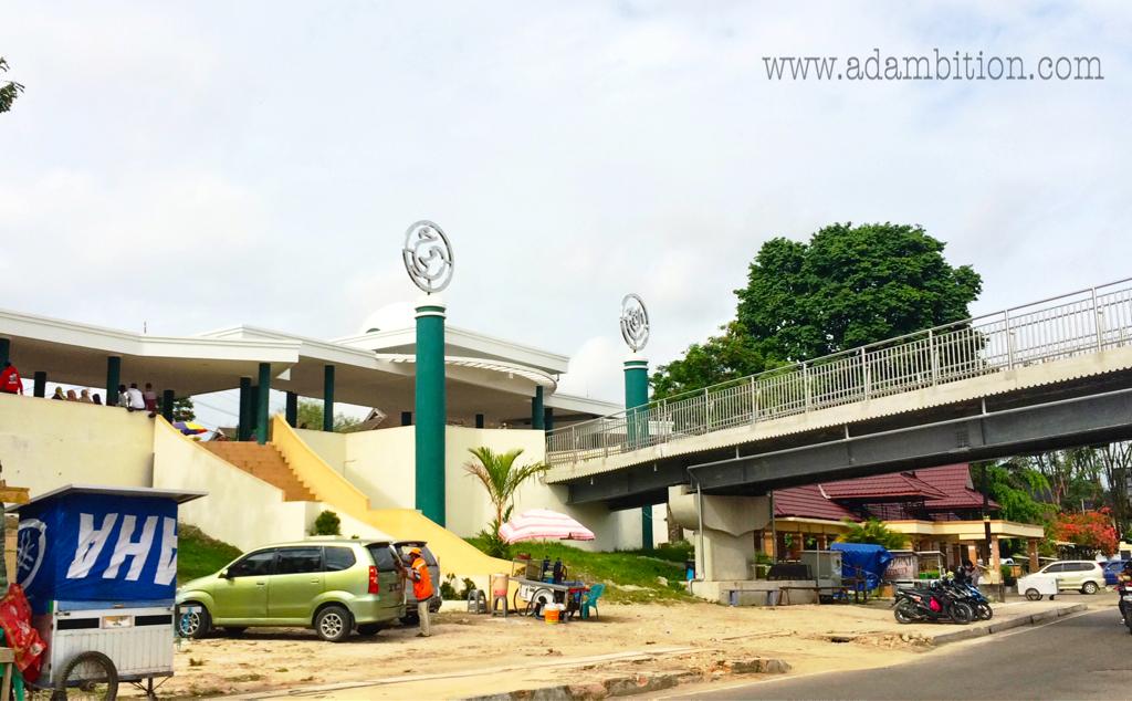 Jembatan Pedestrian Menara Gentala Arasy Jambi Adambition Masuk Tidak Perlu