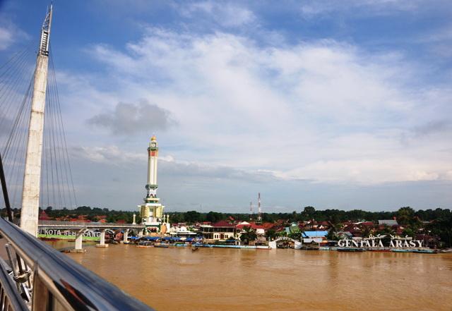Menara Gentala Arasy Ikon Kota Jambi Tobasatu Bawah