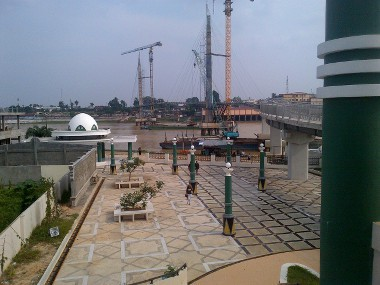 Panorama Kota Jambi Ketinggian Menara Gentala Arasy Melihat