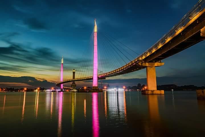 Peradaban Islam Jambi Pesona Jembatan Gentala Arasy Bersama Keluarga Tercinta