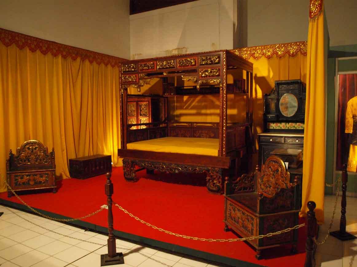 Museum Negeri Jambi Terbesar Kota Siginjai