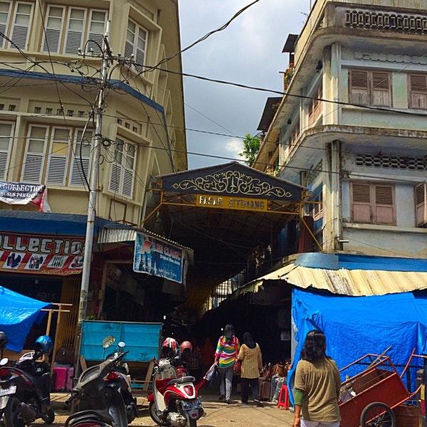 Pasar Sitimang 2 Tips 7 Pengunjung Keramik Kota Jambi