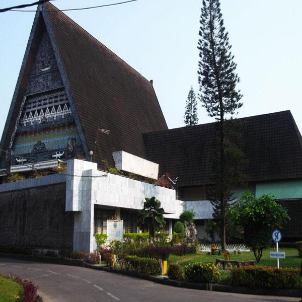 10 Tempat Wisata Jambi Populer Indah Lihat Id Museum Negeri
