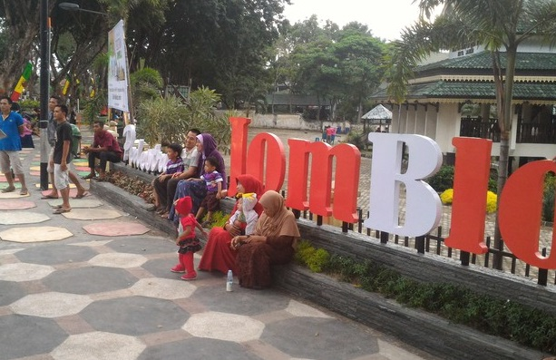8 Tempat Wisata Wonderful Kota Jambi Indonesia Taman Jomblo Anggrek