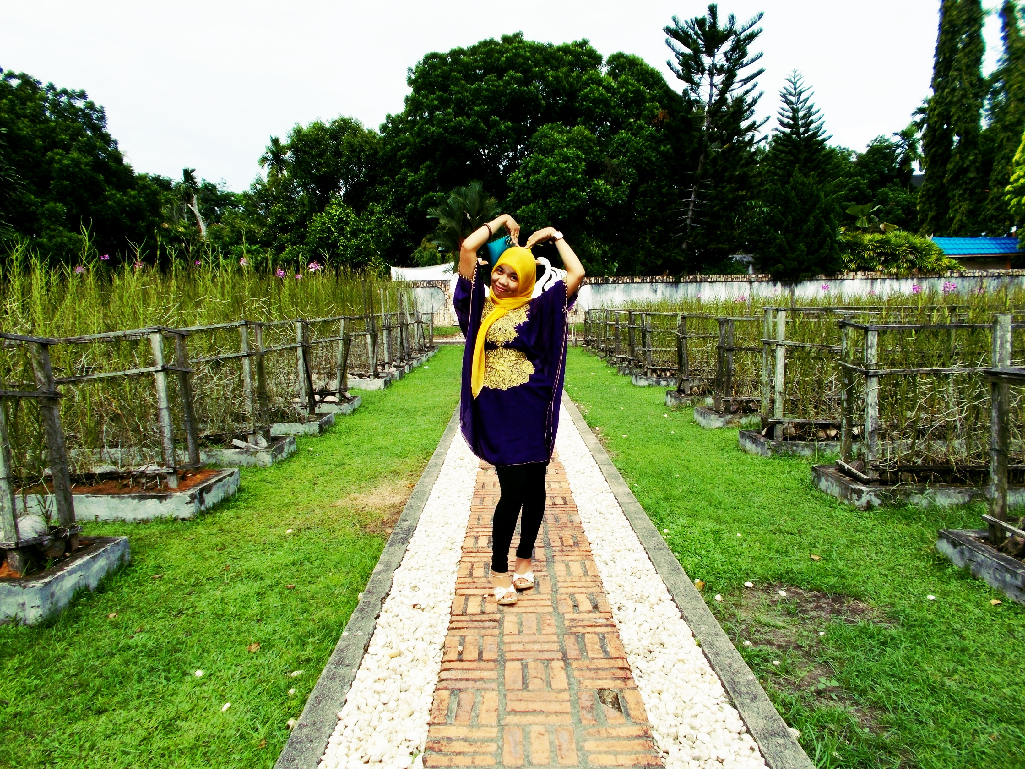 Hijab Street Style Taman Anggrek Lluckyi Rupanya Dilegkapi Wifi Jalur