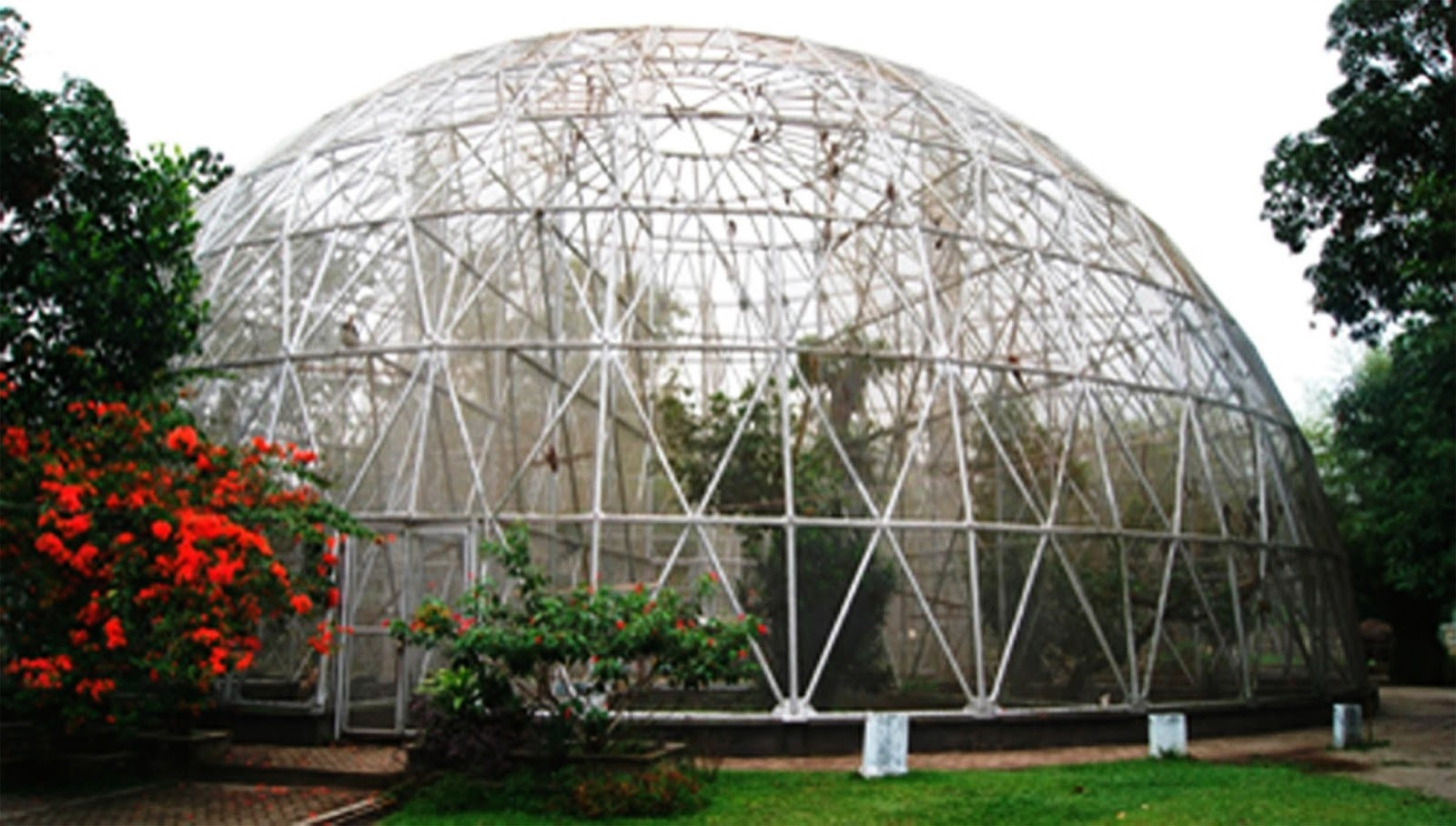 Rekomendasi 5 Lokasi Wisata Taman Hiburan Populer Jambi Mini Rimba