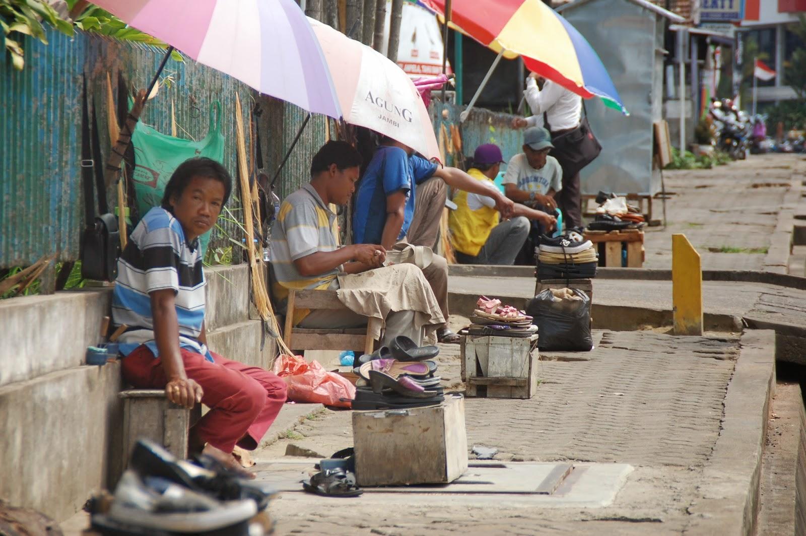 Apakah Dipikirkan Walikota Jambi Jambipos Online Tukang Sol Sepatu Sipin