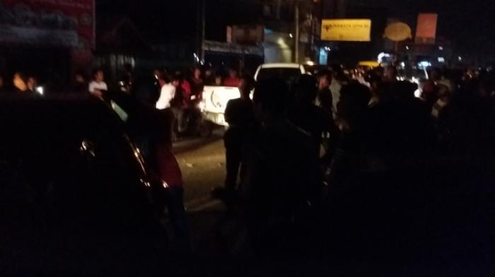 Polisi Lepaskan Tembakan Peringatan Pemilik Mobil Nyaris Dihajar Massa Tribunjambi