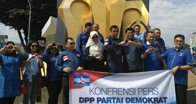 Jelang Pelantikan Demokrat Sambangi Tugu Pers Jambi Jambiupdate Partai Melakukan