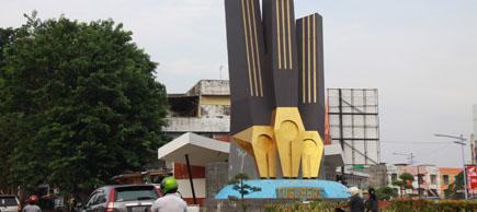 Kondisi Tugu Pers Kawasan Murni Kota Jambi Berita Ekspres Tinggi