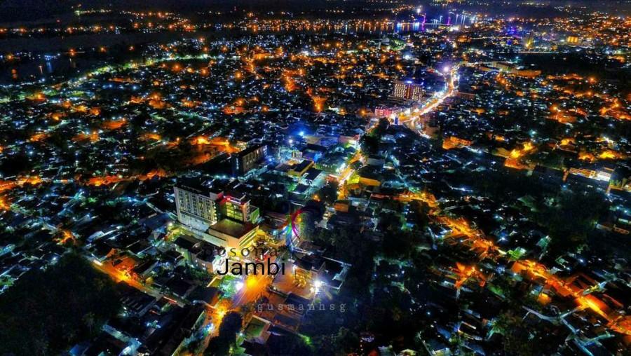 Simpang Pulai Tugu Juang Wajah Kota Berdesakan Pers Jambi