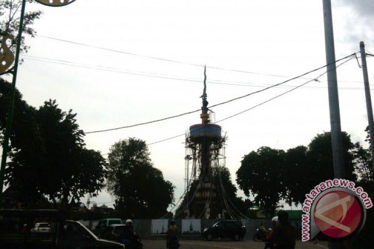Tugu Keris Siginjai Jambi Dibuat Perajin Yogyakarta Antara News Pers