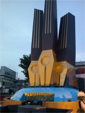 Tugu Pers Jantung Kota Jambi Oleh Sandro Balawangak Kompasiana