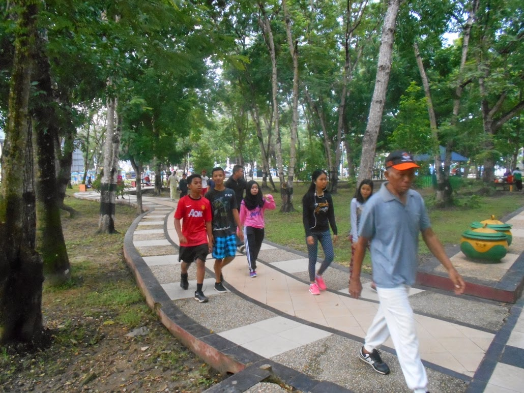 Menyehatkan Jasmani Minggu Pagi Taman Kota Kendari Cendana Salah Satu