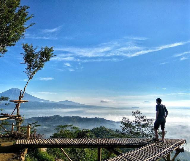 Punthuk Mongkrong Spot Selfie Kece Magelang Melihat Foto Pemandangan Gunung