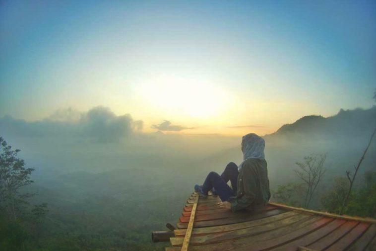 Punthuk Mongkrong Spot Tergres Menikmati Sunset Sunrise Magelang Kota