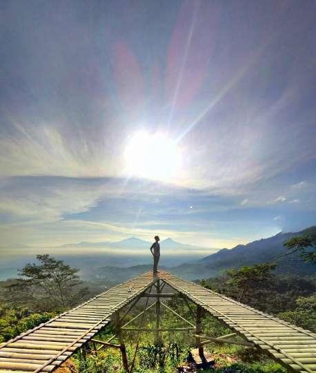 Punthuk Mongkrong Tempat Ngadem Hits Magelang Kesiniaja Photo Ig Angga