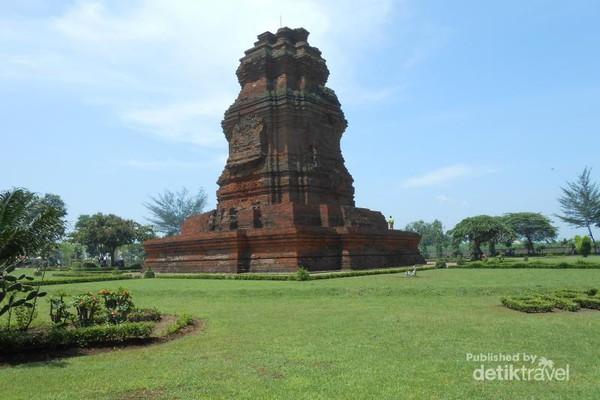 Menyusuri Sejarah Kerajaan Majapahit Trowulan Mojokerto Candi Brahu Balai Pelestarian