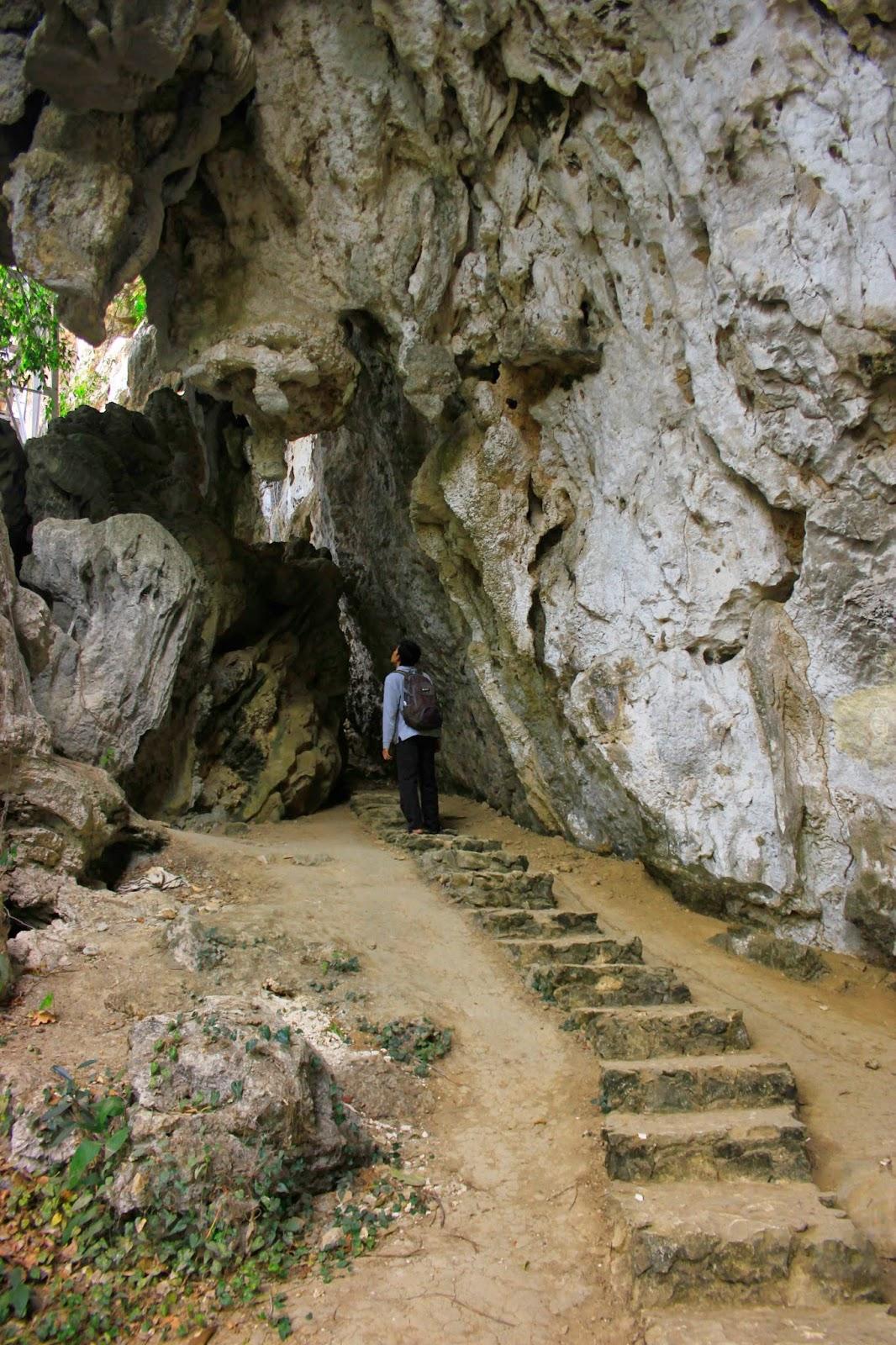 Terlempar Silam Taman Purbakala Leang Ardiyanta Teman Luar Kota Biasanya