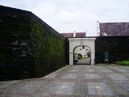 Benteng Rotterdam Kota Makassar Balai Pelestarian Cagar Budaya Pintu Gerbang