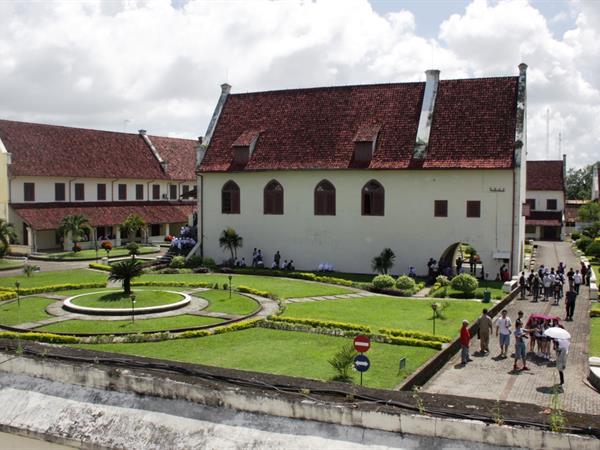 Fort Rotterdam Swiss Belinn Panakkukang Makassar Benteng Kota