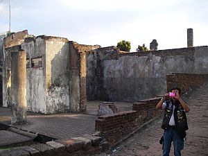 Fort Rotterdam Wikipedia Bahasa Indonesia Ensiklopedia Bebas Reruntuhan Juli 2008