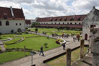 Fort Rotterdam Wikipedia Benteng Kota Makassar
